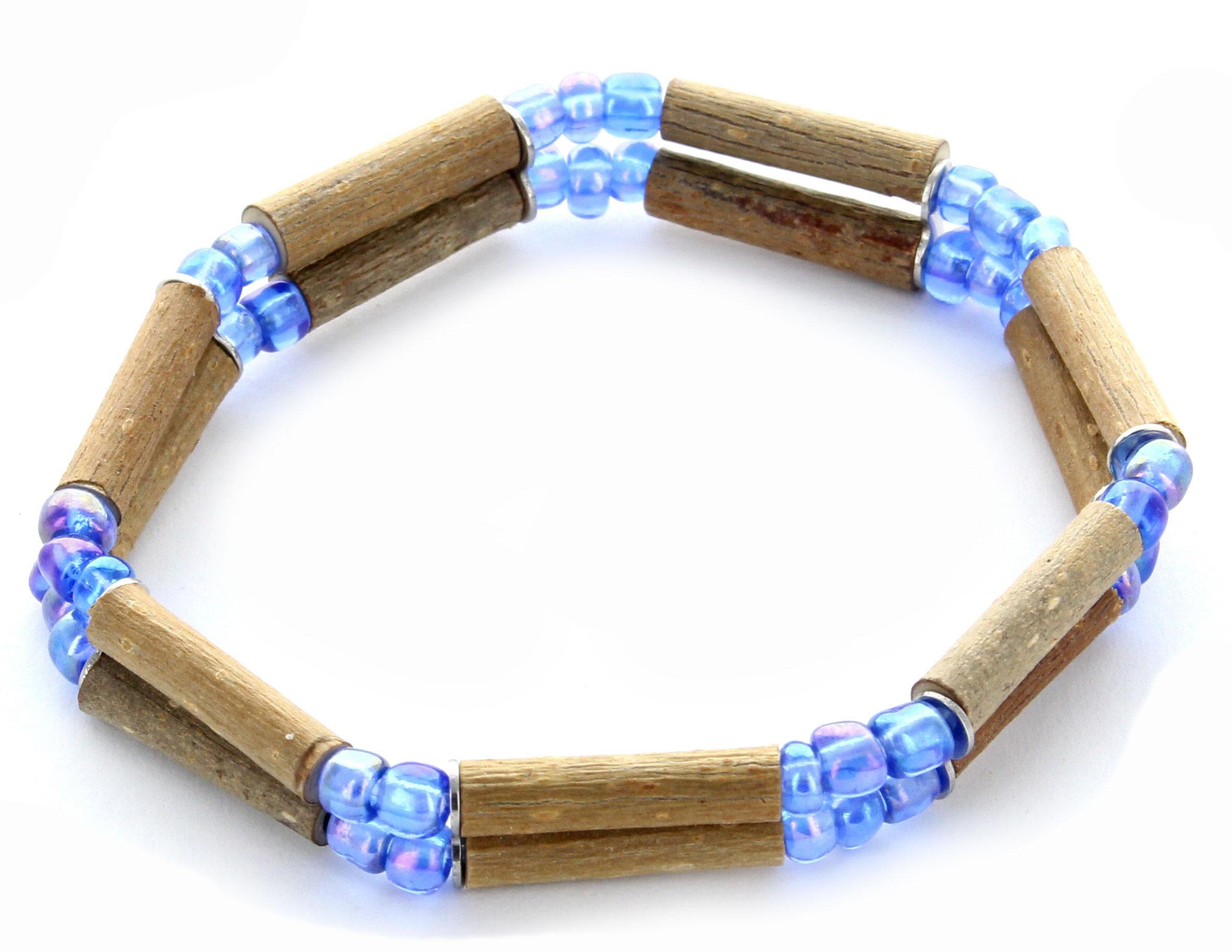 Bracelets en noisetier et perles de verre
